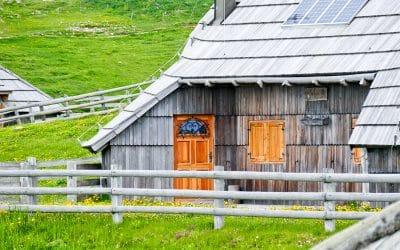 Bike tour Velika Planina shepherds hut
