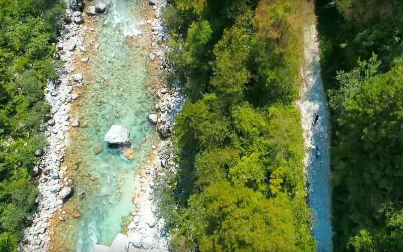Kolesarjenje ob soči na turi Trans Slovenija ebike