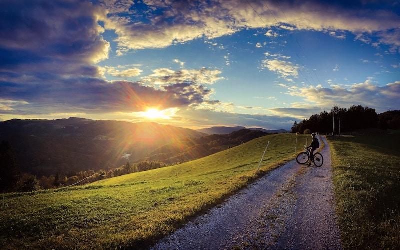 Circular cycling trail Ziri